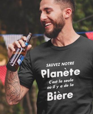 T-shirt Homme Sauvez notre Planète, C'est la seule qui a de la Bière